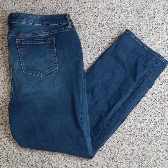 Torrid Mid Rise Slim Bootcut Jeans Sz 22 Short